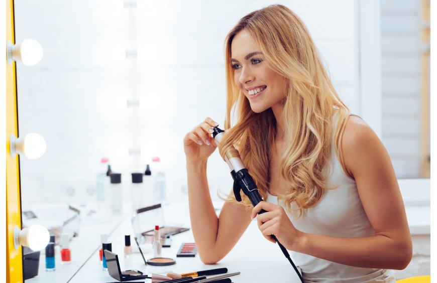 Jak właściwie używać lokówki do włosów?
